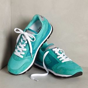 $90 Anthropologie Brooks Chariot Sneakers