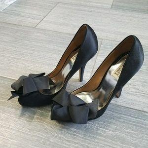 Adorable size 10 Badgley heels