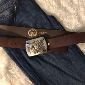 GAP • Brown leather Belt/Buckle