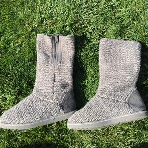 Sweater boots-youth size 1