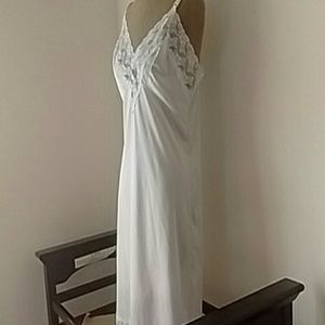 Vintage Ivory Full Slip With Lace