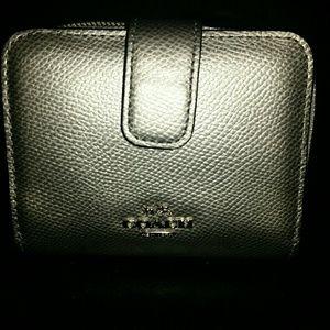 Coach BrN Trifold Wallet w/o tags