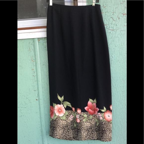 43e69fa901 Vintage 90s Floral Border Print Maxi Pencil Skirt.  M_59c6bae96802788a680043d7