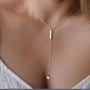 Dainty gold necklace bar/triangle drop  NWOT