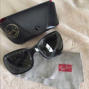 Womens Ray Ban Black sunglasses