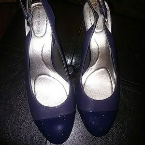 Size 9 Navy Heel