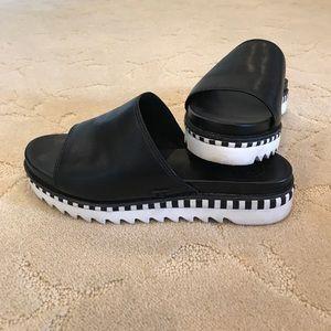 Black Slides Tory Burch -Like New barely worn