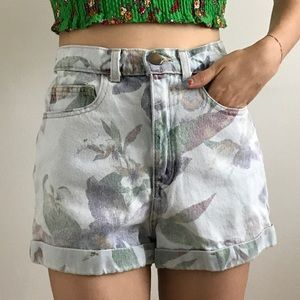 AMERICAN APPAREL Floral Print Jean Shorts