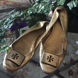 Tory Burch size 10 gold