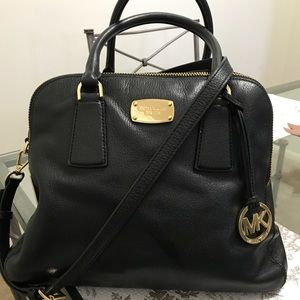 Michael Kors: Black pebbled leather double zip