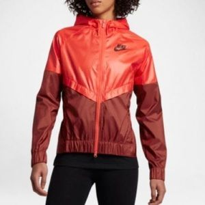 NWT Nike Windrunner Jacket