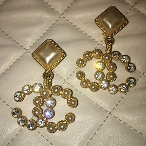 Authentic CHANEL CC clip on earrings w/ pearl