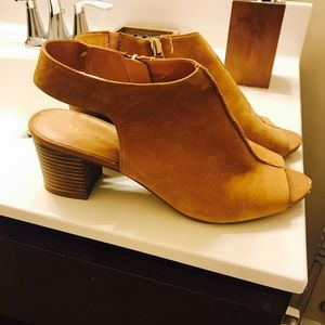 Franco sarto suede tan sandals