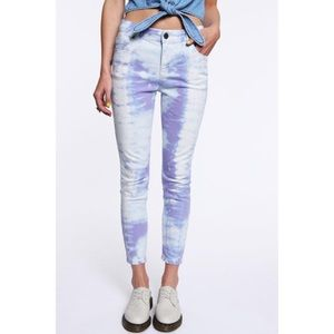 UO Silence & Noise Cloudy Ankle Jeans Size 31