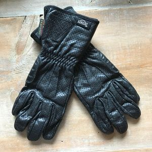 NWOT Triumph Motorcycles Leather Gloves