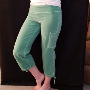 GAP Stretch Green Cotton/Spandex Capri's