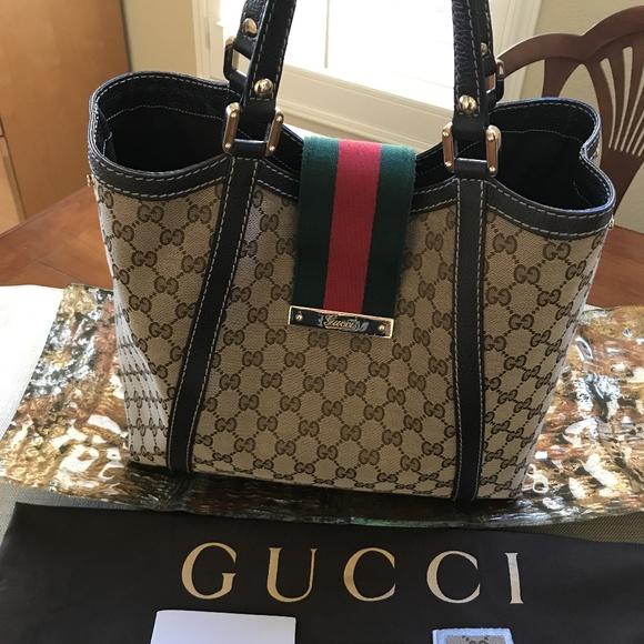e585b06063c Gucci Bags   Authentic Gg Canvas Tote Bag 364835   Poshmark