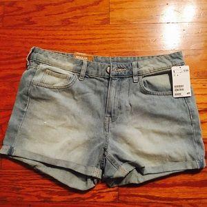 BRAND NEW H&M Light Denim Shorts Size 8