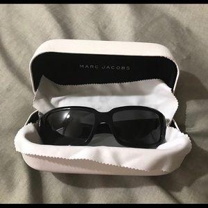 Marc Jacobs woman's sunglasses like new