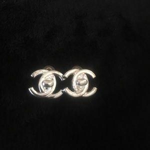 Chanel Vintage Turn lock CC Earring