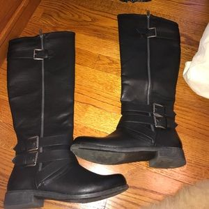 Shoes - Leather winter boots size 9