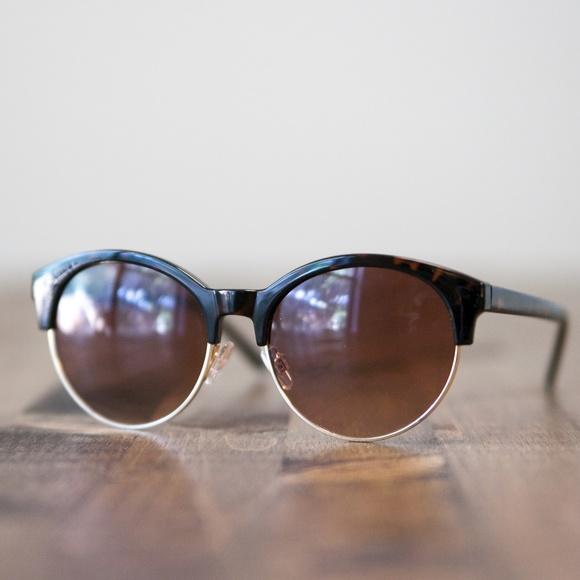 192506ce05f Half-Frame Sunglasses in Tortoise. M 59c6e57a522b45bf64001599