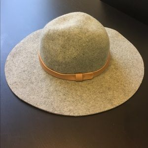 H&M Wool Hat perfect for Fall!