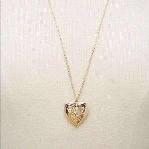 Rose 🌹 locket necklace from Forever 21!
