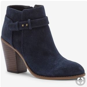 NEW Sole society Lyriq booties in navy suede