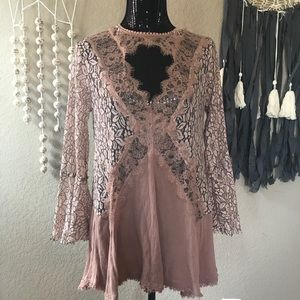 Altar' state lace belle sleeve dress