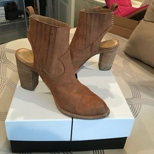 Camel ankle boot!