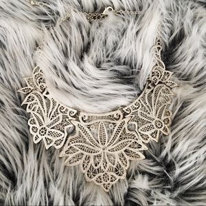 Silver Fashioned Plate Necklace
