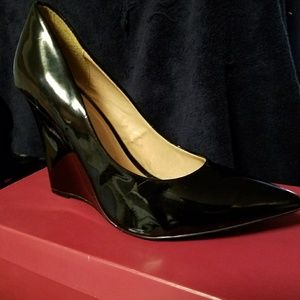 Used Black Patent Leather Wedges