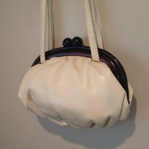 Vintage cream kiss lock purse lucite handle
