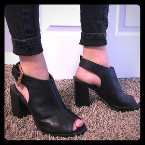 Open toe heels 👠
