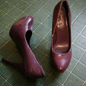Qupid heels - size 8