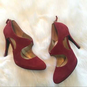 Guess by Marciano burgundy pumps 7