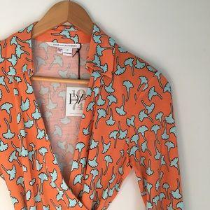 NWT DVF vintage pattern wrap top