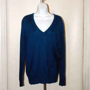 J. Crew V-neck sweater long sleeve size XL