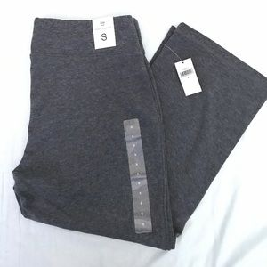Gap stretch yoga capri in size S