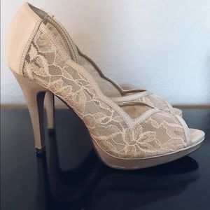 Lulu Townsend | Champagne Satin + Lace Heels 👠