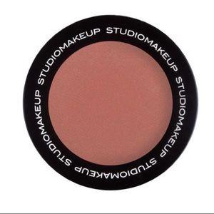 Studio Makeup Soft Blend Blush in Wildflower