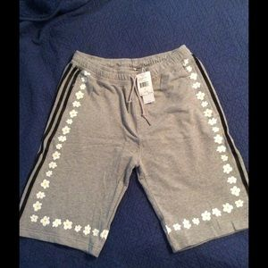 Adidas grey shorts with daisies, size L, NWT