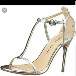 SILVER CHINESE LAUNDRY T-STRAP STRAPPY HEELS, 7