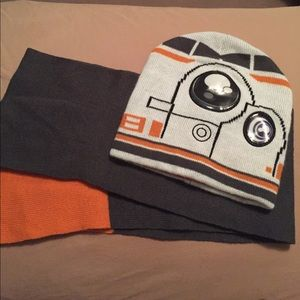 Other - Star Wars Hat and Scarf Set