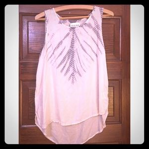 Tank top with tie-dye feather print