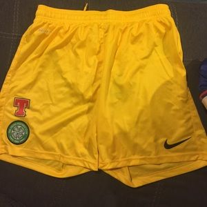 Men's medium Nike yellow shorts Celtic football