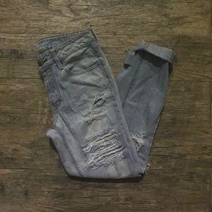 American Eagle Tomgirl Light Wash Jeans 🌻