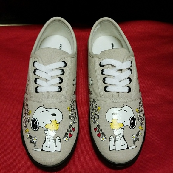 e6e3408894 Bradford Exchange Shoes - Bradford Exchange Snoopy Shoes-New