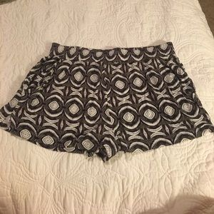 Bought in Spain! H&M patterned shorts